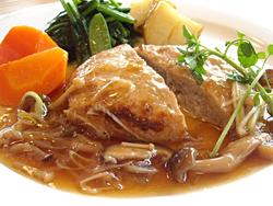 南部高原豚100%ハンバーグ(ライス・スープ付)