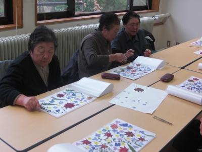 森のこだま館 江刈高齢者大学  押し花体験