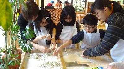 森のこだま館 沼宮内小学校 そば打ち体験